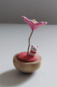 gattina sotto sakura
