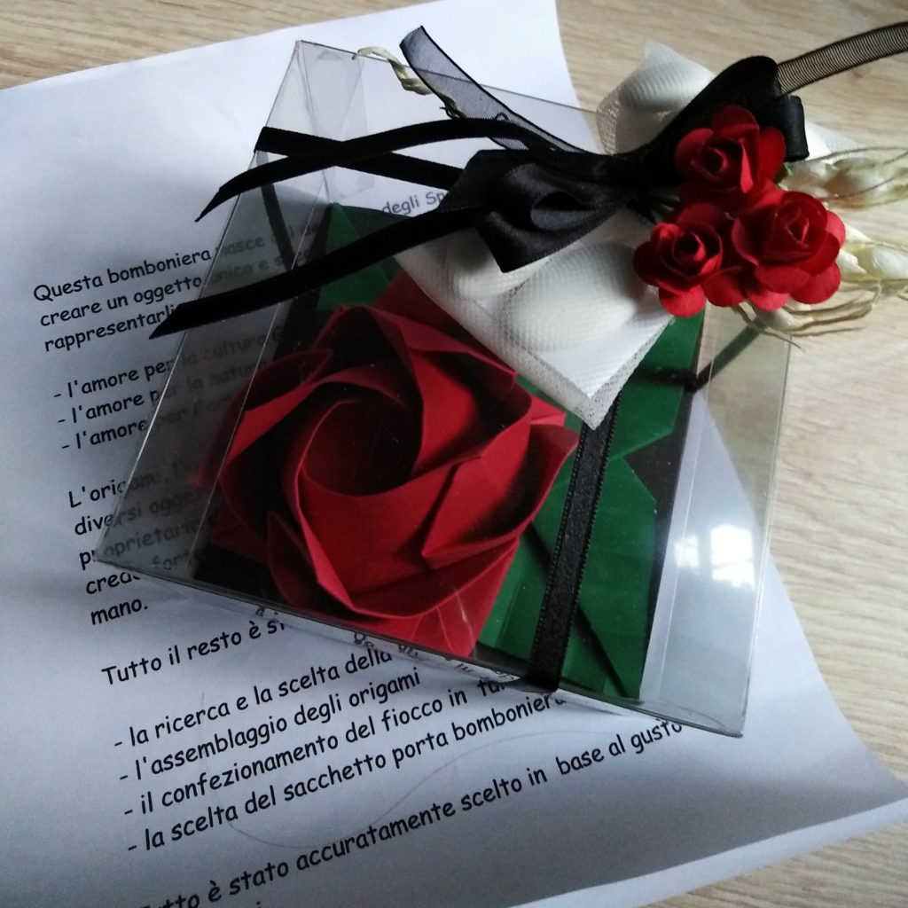Origami rosa bomboniere