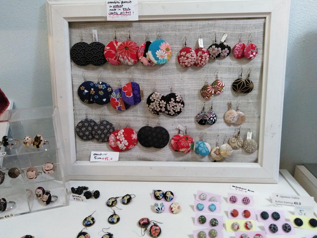 orecchini di stoffa giapponese