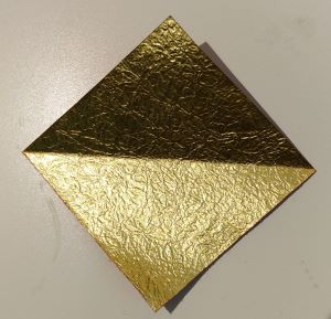 origami con una linea diagonale