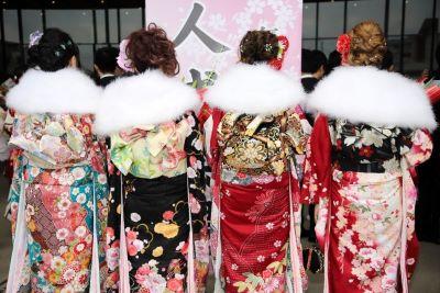 ragazze in kimono